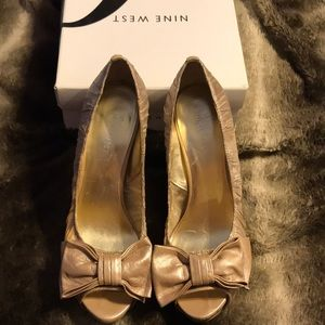 Nine West heels with bow